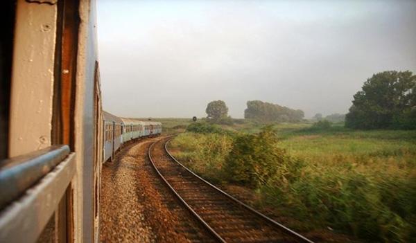 Cu trenul prin tara